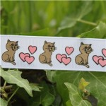 cat and hearts white_shop.jpg